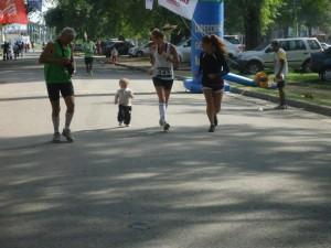 Constanza Vélez en el Maratón de Tucumán