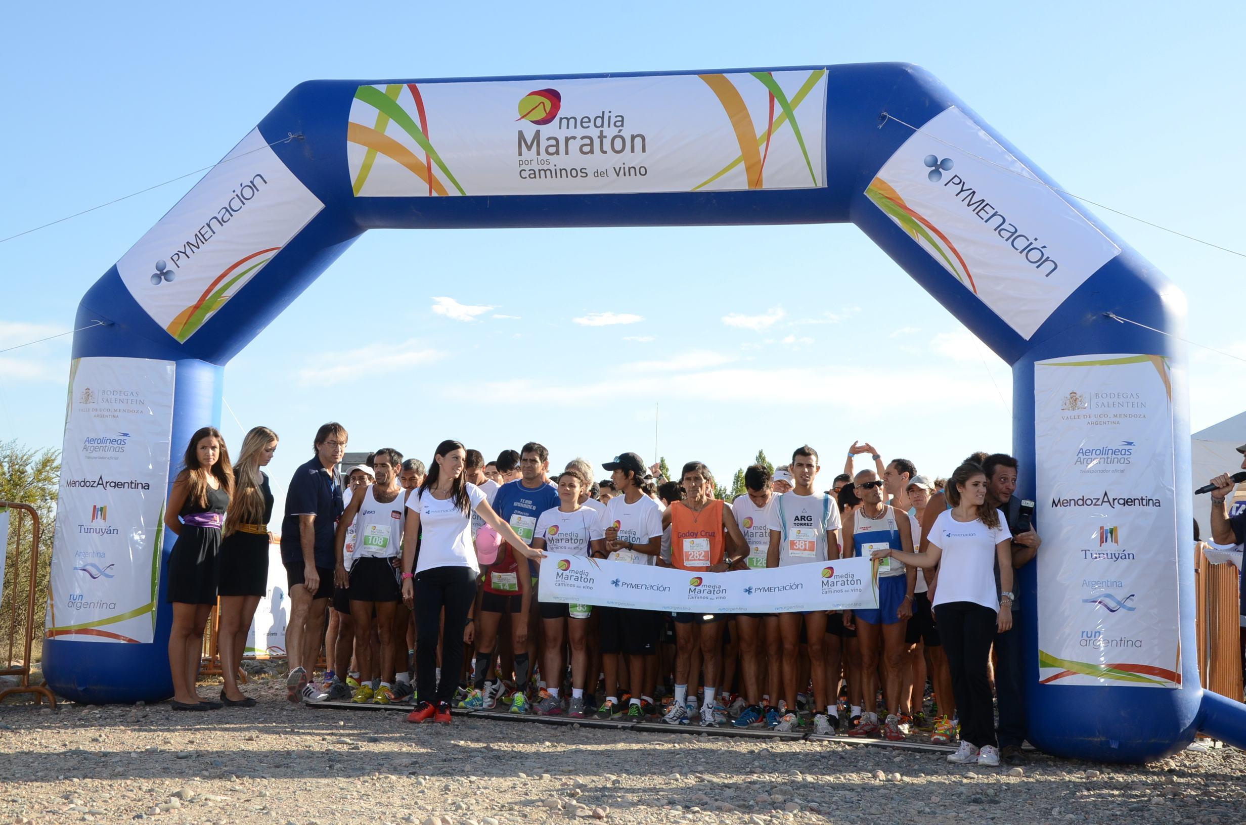 Salida del Medio Maratón por los Caminos del Vino 2013