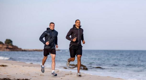 ¿Entrenar para un maratón corriendo menos?