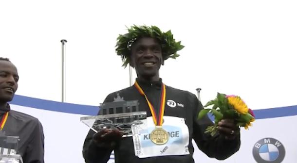 Kipchoge gana y Adola sorprende en el maratón de Berlín 2017