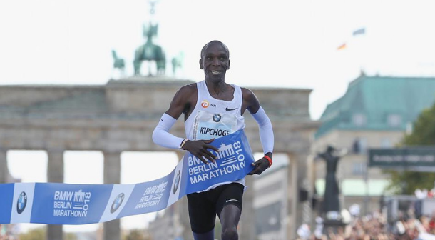 Keniano Eliud Kipchoge bate récord mundial en Maratón de Berlín 2018