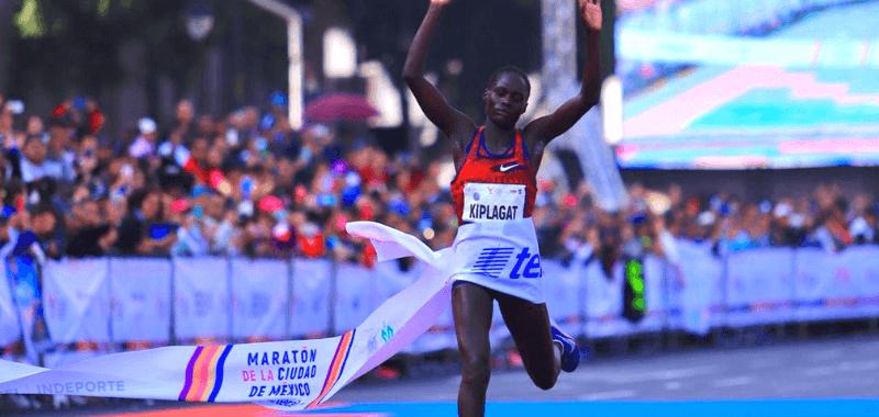 La keniana rompió el récord establecido por Gladys Tejeda hace dos años