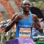 Timothy Kipgetich Kemboy de Kenia, fue el primero en cruzar la meta en los 42K. En damas lo hizo la etíope Ayelu Abebe Hordofa