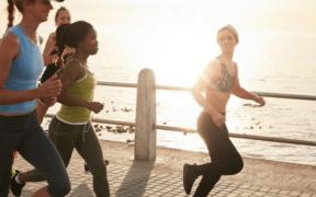 Correr dos horas semanales nos regala 6 años de vida