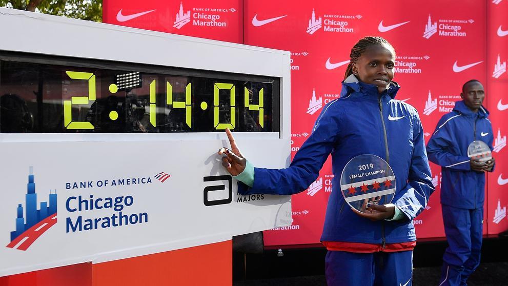 Brigid Kosgei en el Maratón de Chicago de 2019