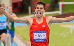 El atleta chileno Carlos Díaz estableció este sábado un nuevo récord para Chile en media maratón por SoyMaratonista.